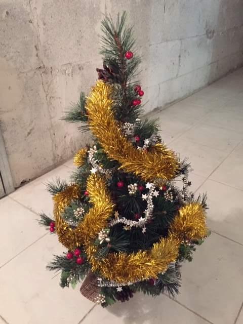 Albero di Natale da appoggio decorato