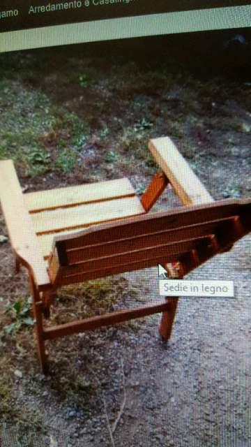 Sedie in legno trattato per esterno