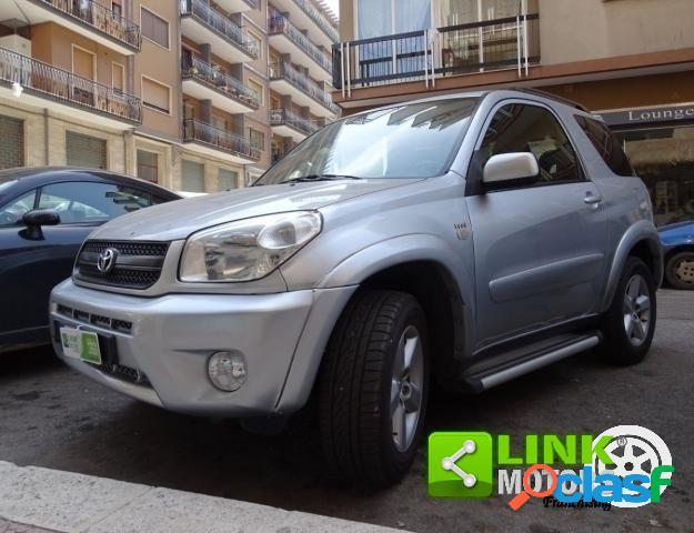 TOYOTA RAV4 benzina in vendita a Martina Franca (Taranto)