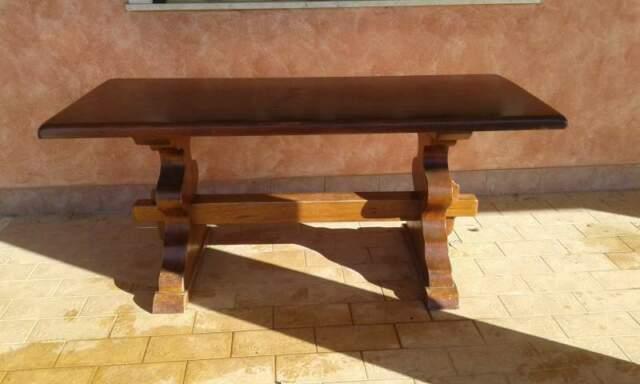 Tavolo e Quattro sedie in legno massello