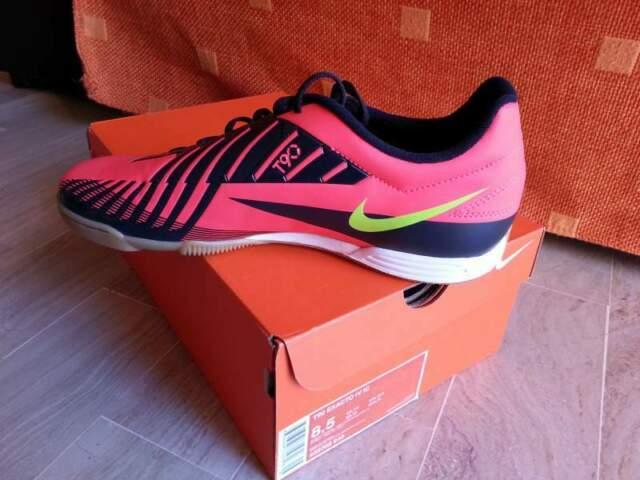 Scarpe calcetto Nike numero 42 NUOVE CON SCATOLA