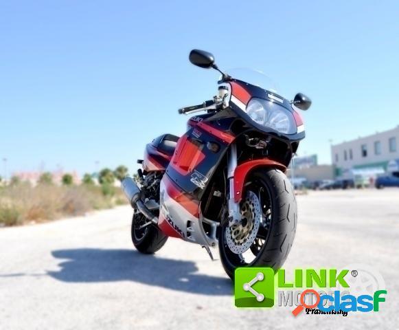 Suzuki GSX R 1100 benzina in vendita a Tricase (Lecce)