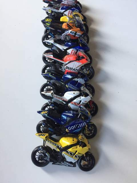 Modellismo moto GP N.10 Valentino Rossi