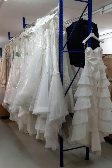 Stock Abiti da sposa Made in Italy