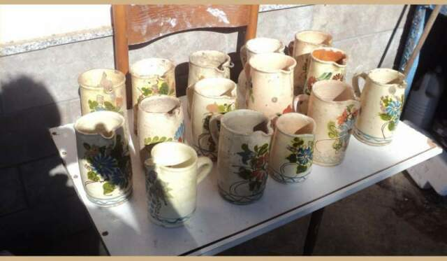 15 brocche in ceramica bianca con pittura