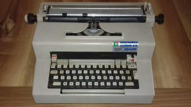 Macchina da scrivere elettrica olivetti editor 3 anni