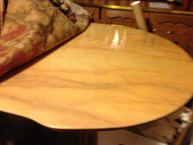 Tavolo ovale in marmo rosa