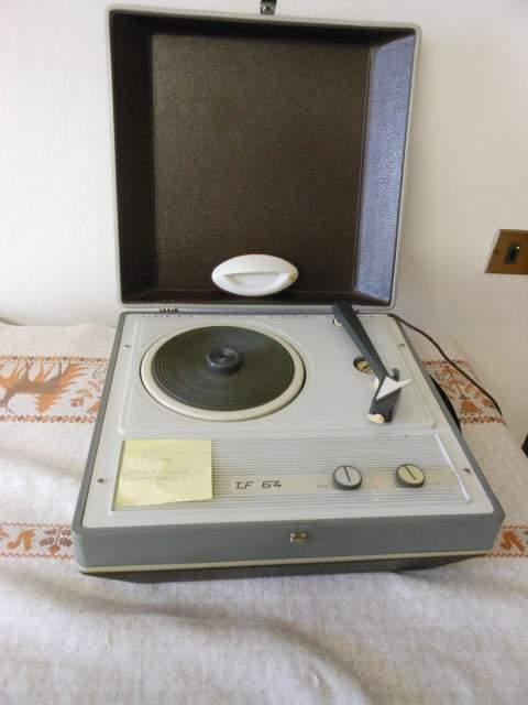 GIRADISCHI TF 64 (b) valigetta vintage