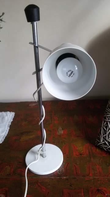 Lampada bianca modernariato