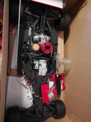 Ferrari f con motore a scoppio Deagostini Nuova