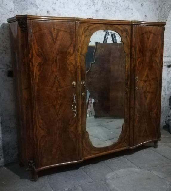 Sala radica di noce stile veneziano 🥇 | Posot Class