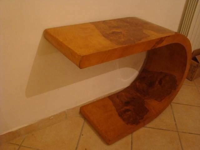 Tavolo da salotto in radica di ulivo fine linea art-deco'