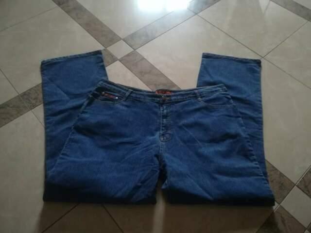 Jeans nuovi da uomo a metà prezzo