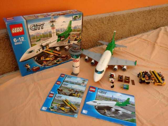 Lego city Aereoporto (prima edizione)terminal merci