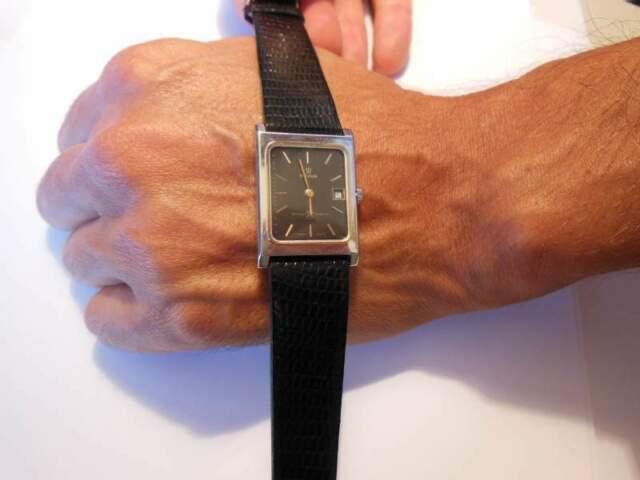 REVUE Orologio vintage funzionante mai usato
