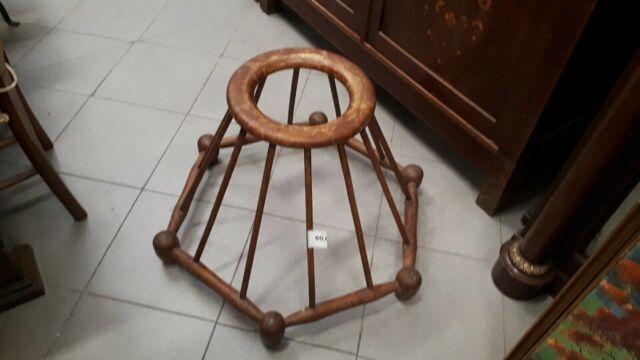 837 - antico girello per bambino in legno