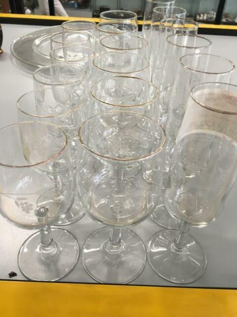 Servizio bicchieri pz 18 bordino dorato uva