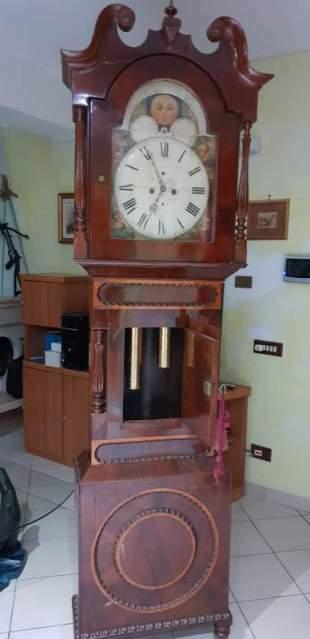 Antichissimo orologio a pendolo