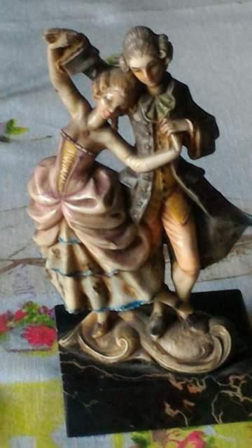 Statuetta in marmo di carrara
