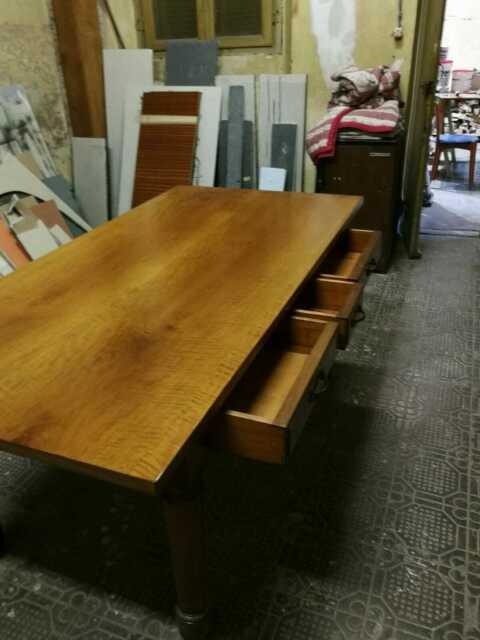 Tavolo in massello di noce a 3 cassetti 180x90xh80