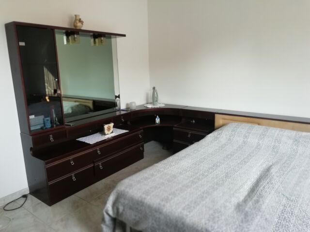Camera da letto matrimoniale completa di reti e materassi