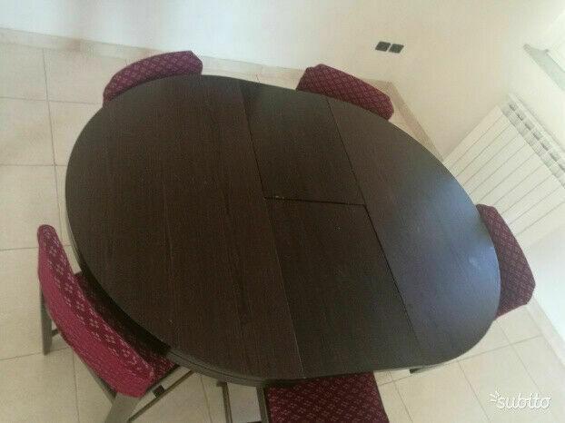 Tavolo allungabile con sedie