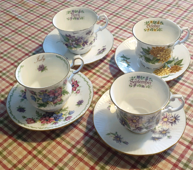 Tazze Tea Cup fiori/mesi - 4 pezzi - Queen's fine bone