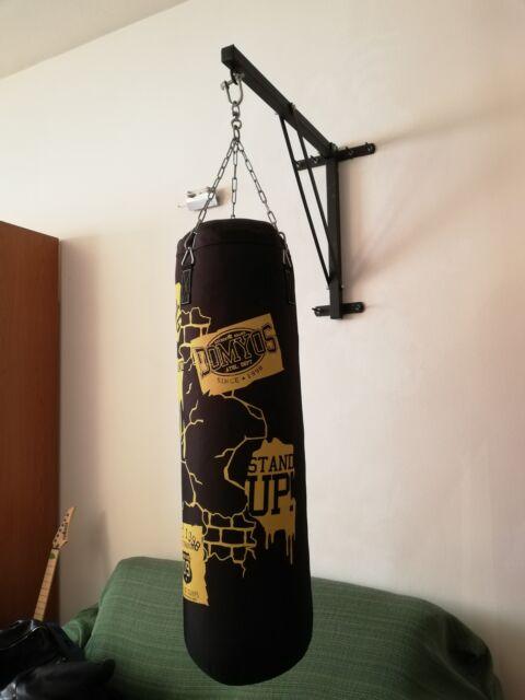 Vendo sacco da boxe Domyos con supporto per fissaggio a muro
