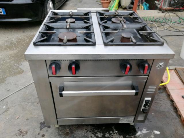 Stufa olis cucina a 4 fuochi con forno a gas