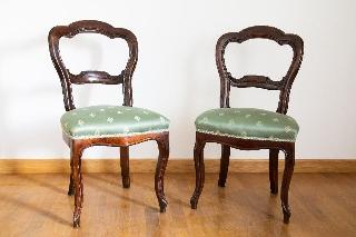 Coppia di sedie in legno inizio  imbottite
