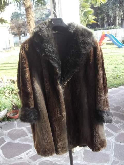 Pelliccia castorino con collo in marmotta