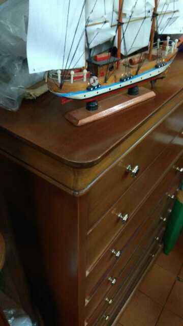 Mobile a sette cassetti in vero legno