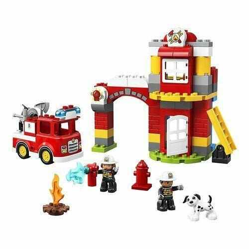 Include 2 pompieri lego duplo e un cane. contiene una