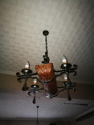 LAMPADARI LEGNO E FERRO BATTUTO