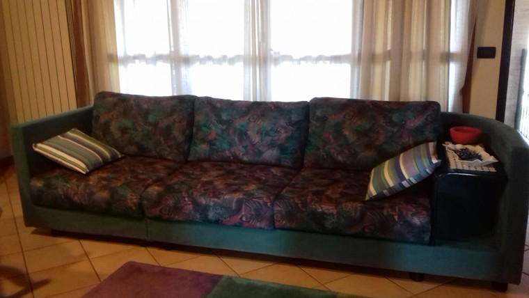 Vendo divano ikea modello kivik grigio posot class for Divano 100 euro