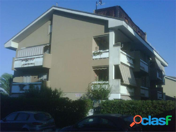 Appartamento in Villa Torvaianica in Via Pola