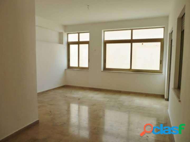 Appartamento vuoto di 220mq al primo piano
