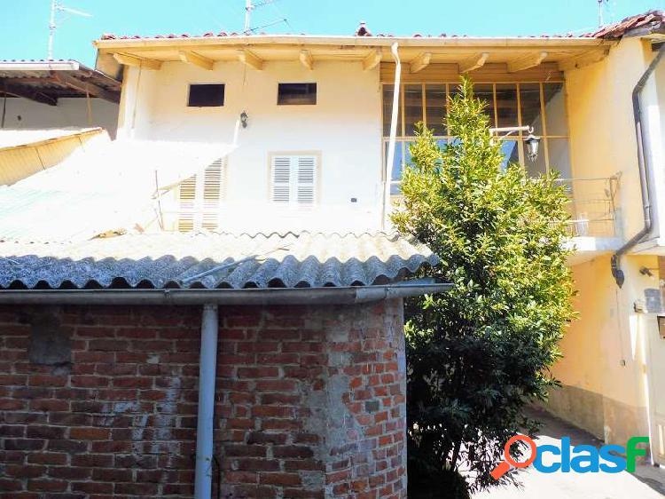 Casa semindipendente ristrutturata con cortile
