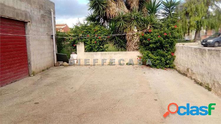 In vendita a Petrosino casa singola con terreno