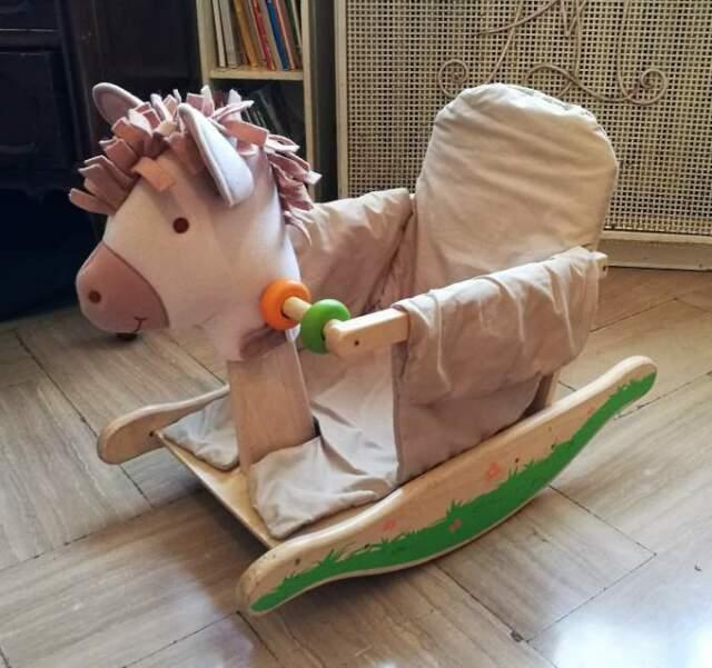 Cavallo cavalluccio sedia a dondolo in legno per bambini