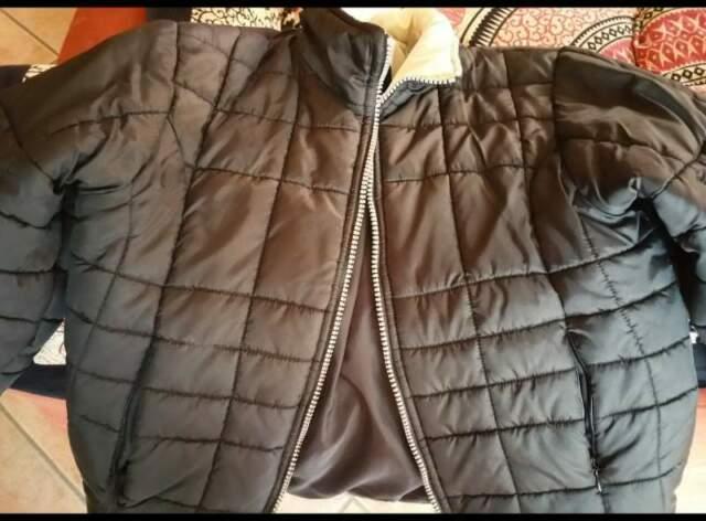 Vendo giacca a vento per bambini