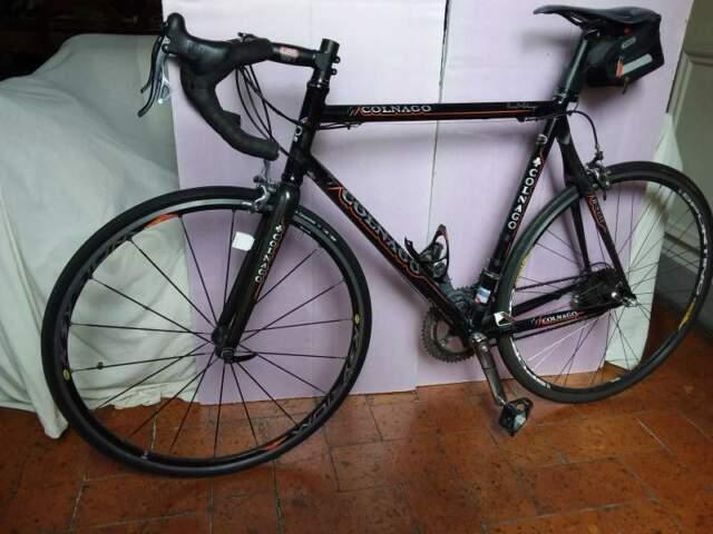 Bici corsa Colnago con motore elettrico Vivax Assist