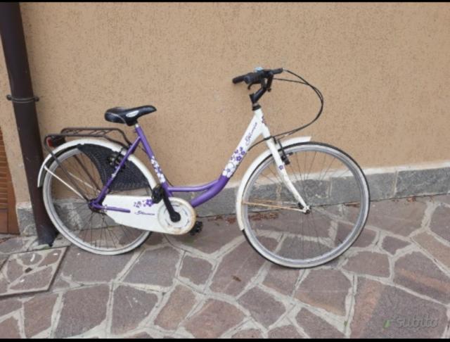 Bici bicicletta per stazione