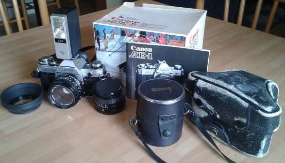 Canon ae1 completa di flash,obiettivi e accessori