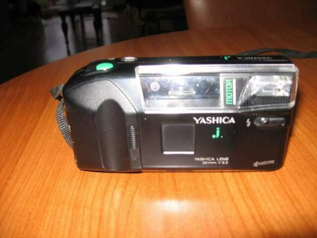 Macchina fotografica Yashica lens 32mm 1:3.5