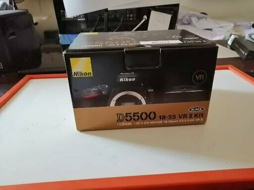Nikon D + Nikkor  VR II Fotocamera Reflex Digitale,