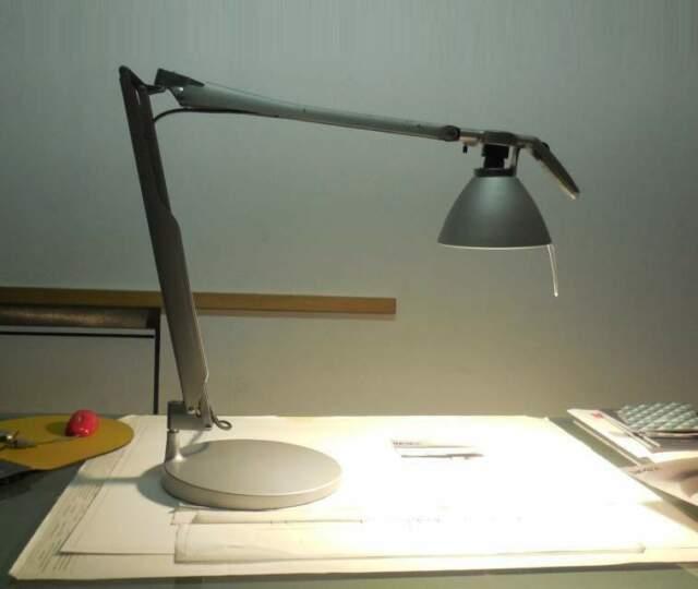 Lampada da scrivania FORTEBRACCIO LUCPELAN design