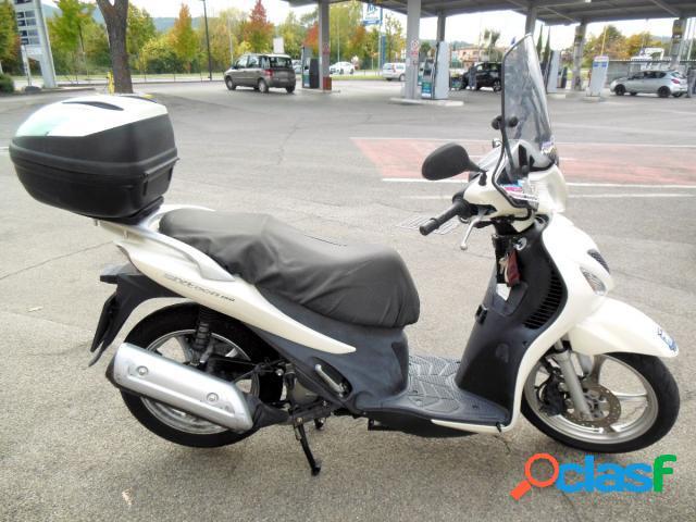 Suzuki SIXteen 150 benzina in vendita a Castiglion