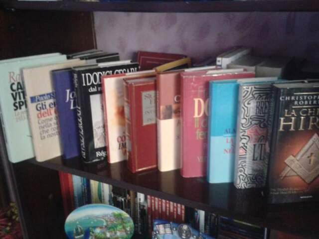 OCCASIONE! N. 13 Libri - Autori vari - vendita in blocco
