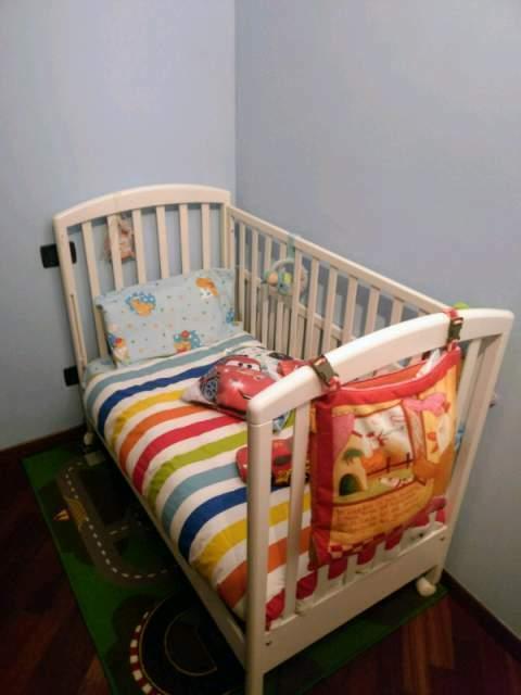 Lettino da bambino da (0 a 4 anni) con spondine rimovibili